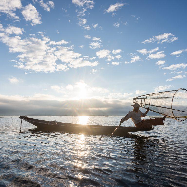 Kalastusta Myanmarissa vuonna 2019.